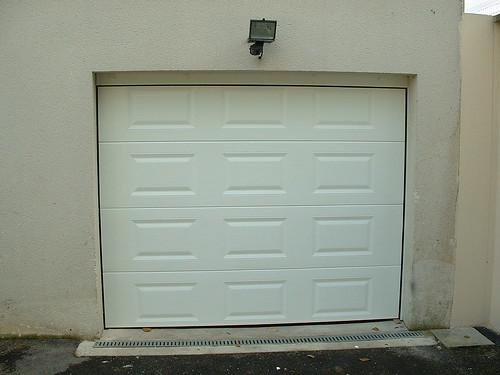 Alliance fermeture porte de garage porte de garage for Flo fermeture porte garage