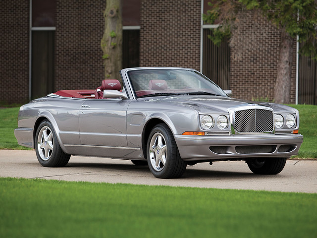 Четырехместный кабриолет Bentley Azure Mulliner. 2001 год