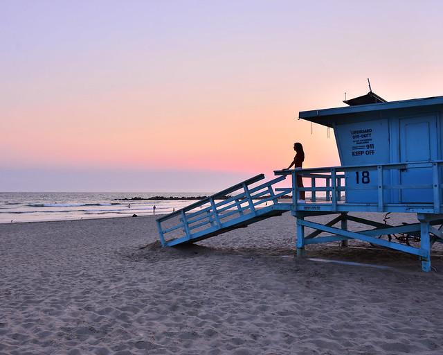 Atardecer en una de las casetas de los vigilantes de Venice Beach, en Los Angeles