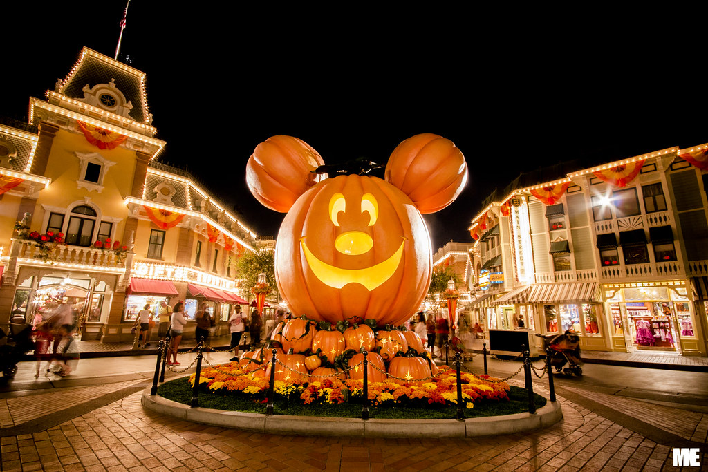 Halloween Time at Disneyland! | Mike Alcoran | Flickr
