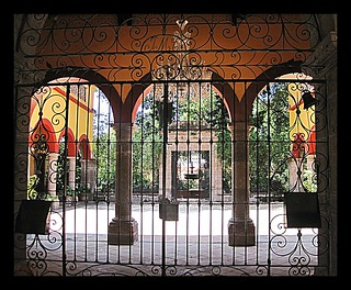 SPANISH PATIO IN TLAQUEPAQUE | by MDIANEM