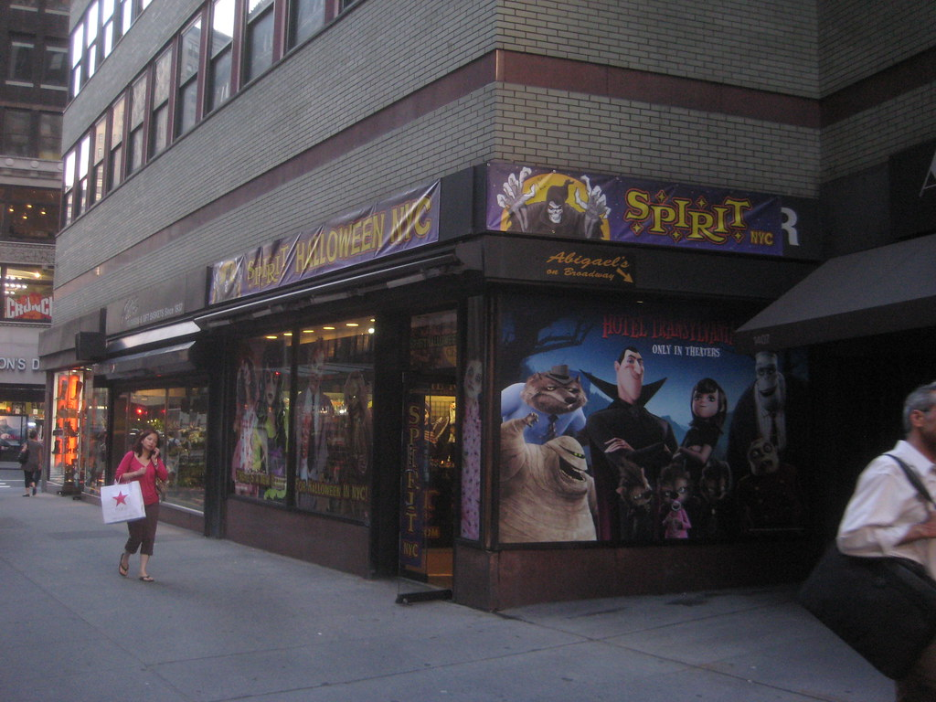 spirit halloween store 2012 nyc 2007 spirit halloween nyc flickr - Halloween Stores Ny