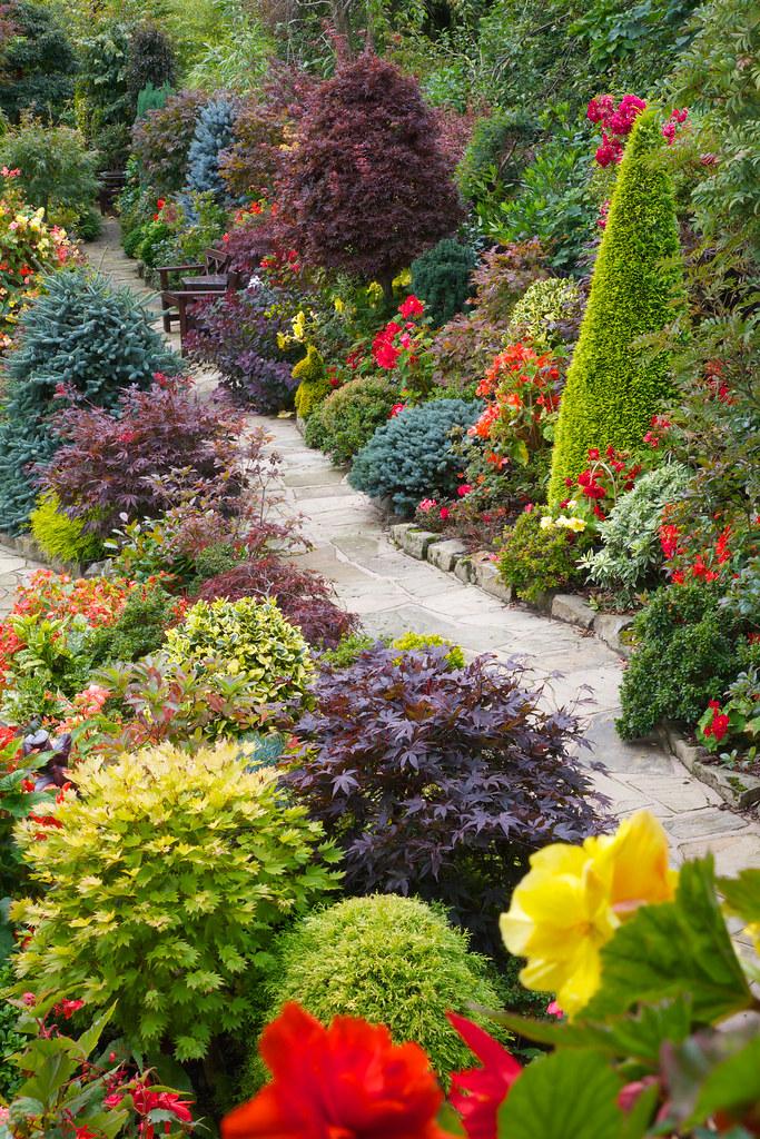 Pathway Through The Upper Garden Late Summer September 28 Flickr
