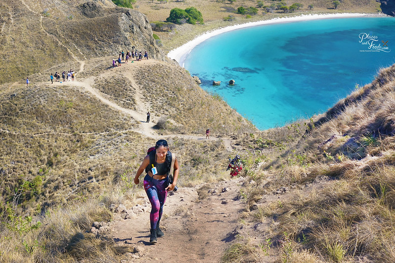 padar island hiking gay