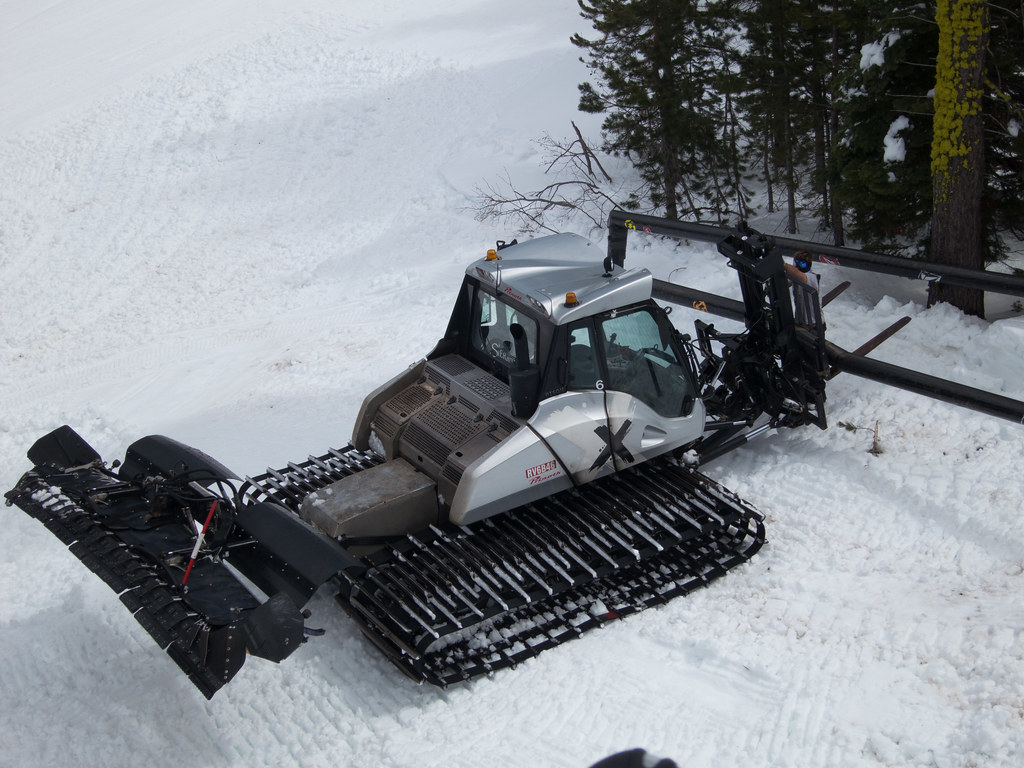 Prinoth Bison X Snow Groomer At Sierra At Lake Tahoe Flickr