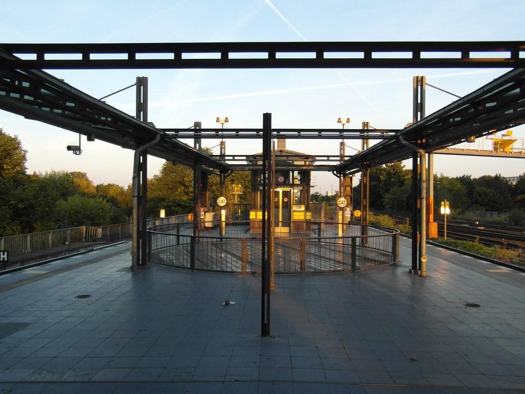 berlin s bahnhof tempelhof ringbahn linien s41 s42 s45 flickr. Black Bedroom Furniture Sets. Home Design Ideas