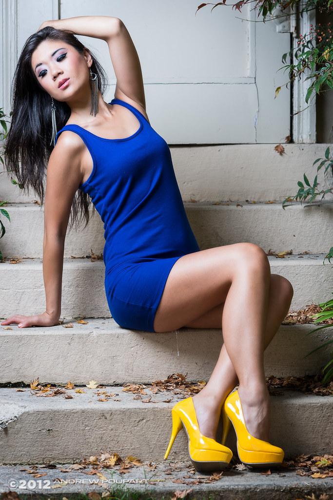 Blue Dress, Yellow Heels  Einstein E640 In A 36-Inch -3555