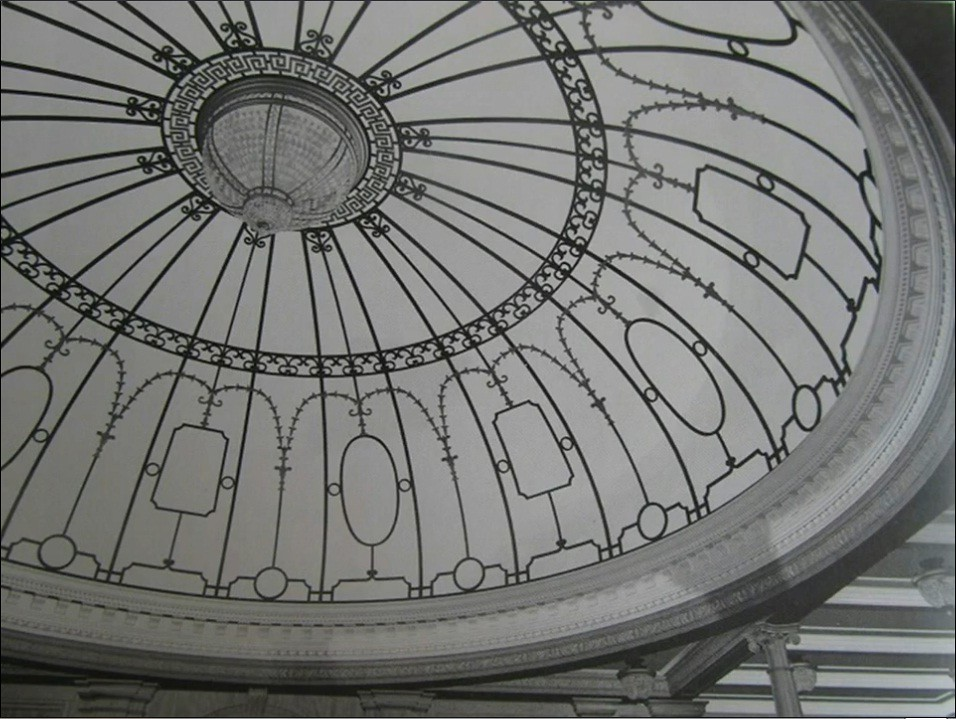 Dome of Grand Staircase at R.M.S. Olympic, twin of Titanic ...