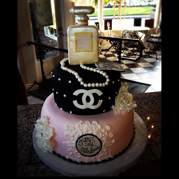 50 Fabulous Chanel Pearls Cake Fondant Fashionista