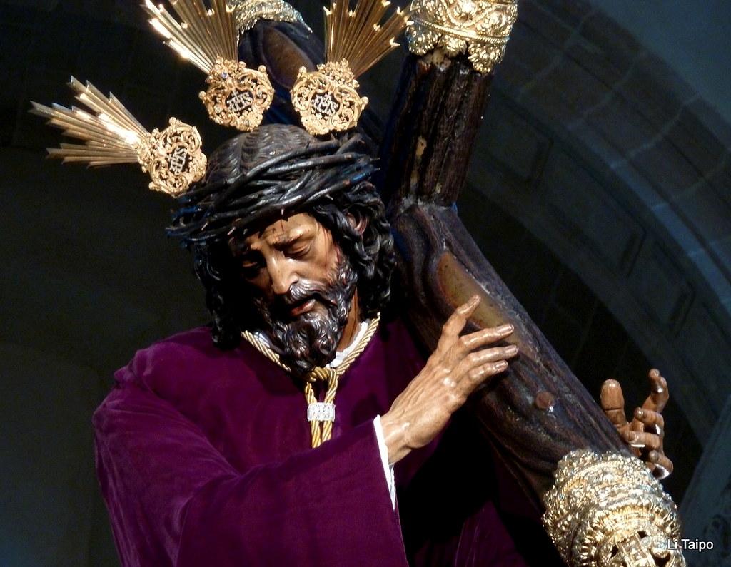 Sevilla nuestro padre jes s de la pasi n talla de juan m for Pasion com m