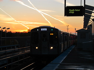 CTA Green Line Train pulling into 63rd/Cottage Grove at Sunset | by Zol87