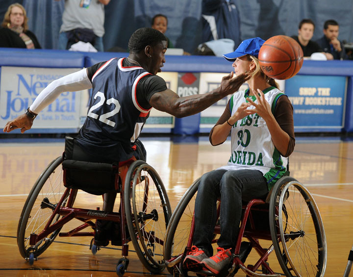 Wheelchair Basketball 3 | Dequel Robinson of the Mobile ...