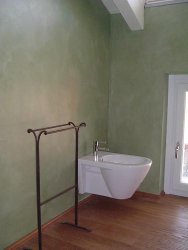 Bagno in resina in resina verde salvia su rovere anticato - Bagno verde salvia ...