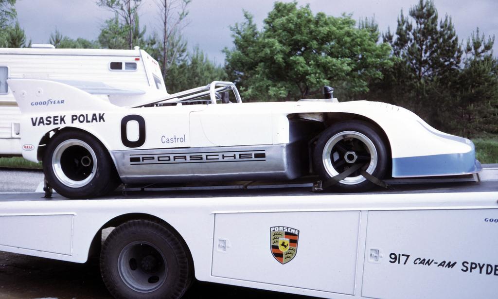 porsche 917 10 can am car driven by milt minter at the. Black Bedroom Furniture Sets. Home Design Ideas
