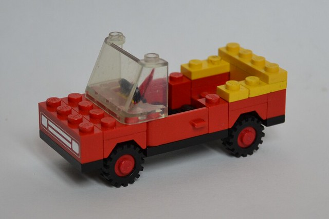Lego classic town car 1980 flickr photo sharing for Modele maison lego classic