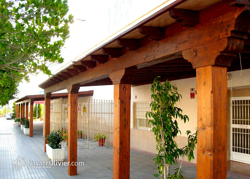 Pergola de madera r stica porche de madera de carpinteria flickr - Pergolas de madera para coches ...