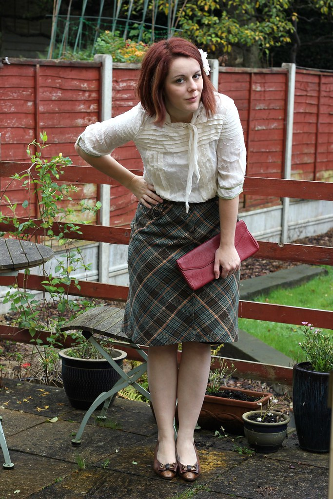Tweed skirt outfit