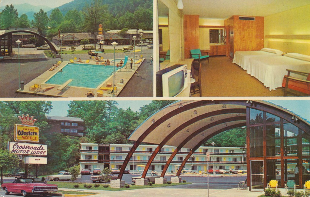 Crossroads motor lodge gatlinburg tennessee in the for Motor lodge gatlinburg tn