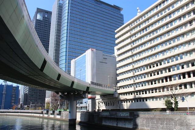 阪神高速道路と朝日新聞社ビル (8)