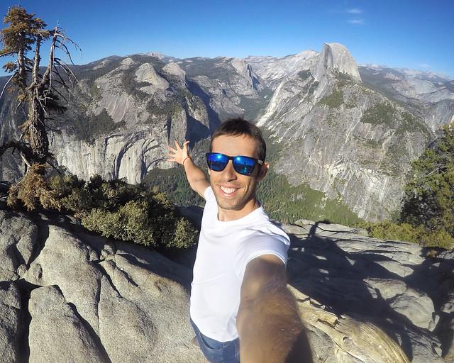 Subido en el mirador del Glacier Point de Yosemite, de los lugares más espectaculares que ver en la Costa Oeste de Estados Unidos