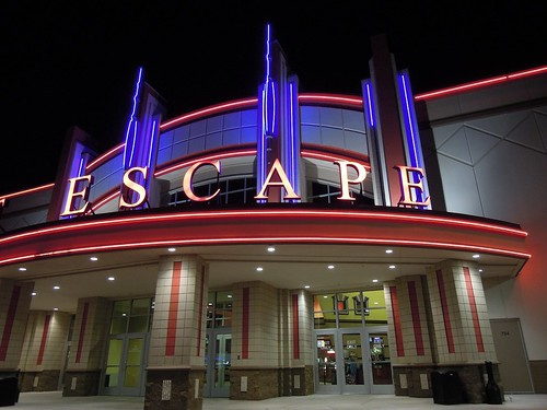 great escape movie theatre at night in gravois bluffs fe