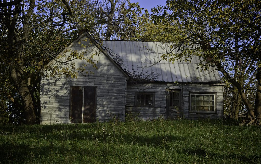 tarpaper | Abandoned house near Palma, Kentucky. This type ...