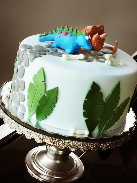 Dino cake | Flickr - Photo Sharing!