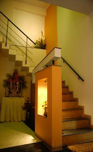Contemporary look interior designs india contemporary for Duplex house models inside