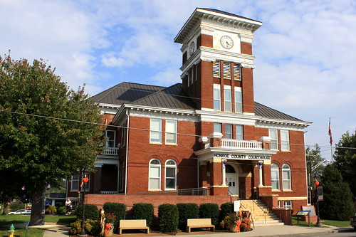 Monroe County Courthouse - Madisonville, TN