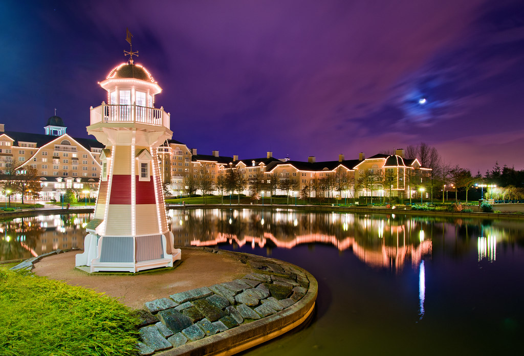 Disneyland paris newport bay club the newport bay club for Hotels eurodisney