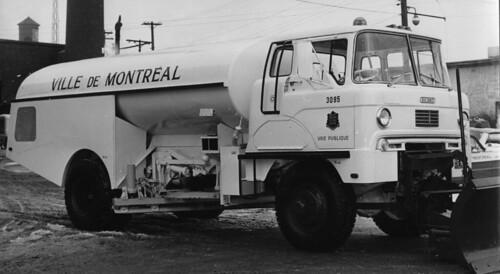 Un Camion Citerne Eau Ann Es 1950 Vm150 Y 1 4 021