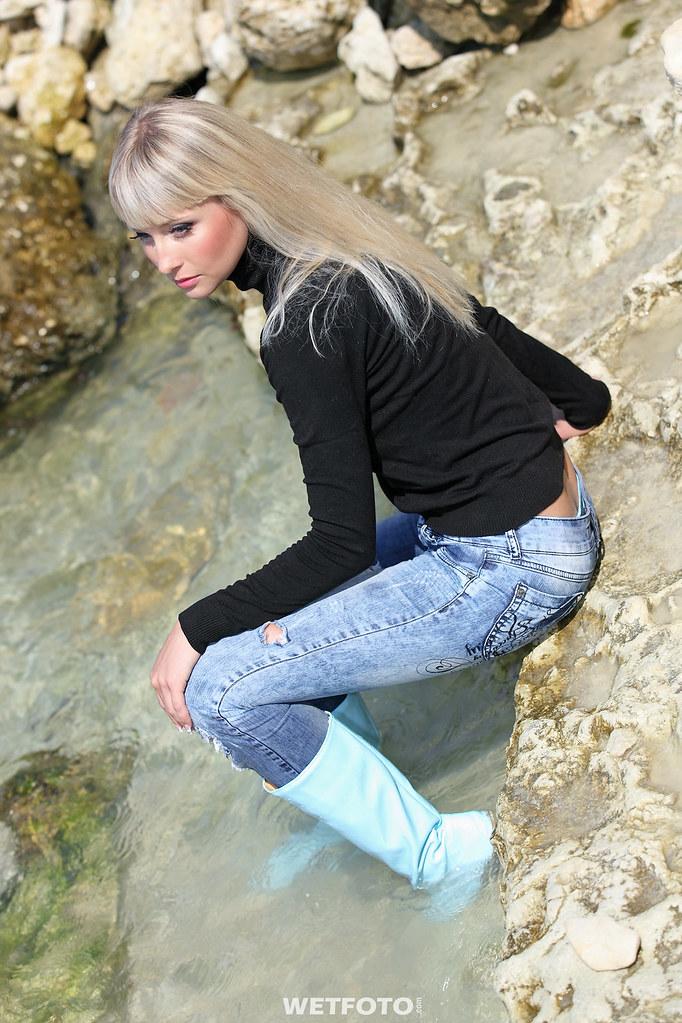 231 1 Wetlook In Ripped Jeans By Wetfoto Sexy Girl Dress