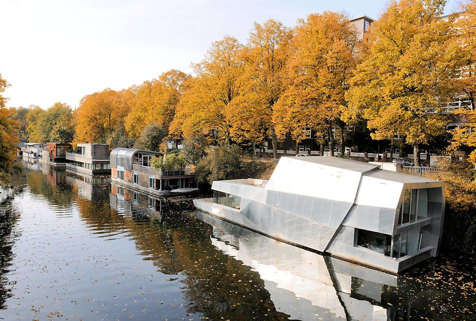 0023 moderne architektur auf dem wasser neue hausboote a for Moderne architektur hamburg