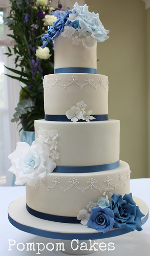 wedding cake with blue roses wedding cake with blue roses the chose a variety 26830