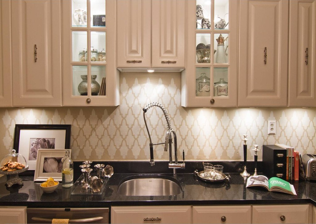 All White Kitchen Backsplash Ideas