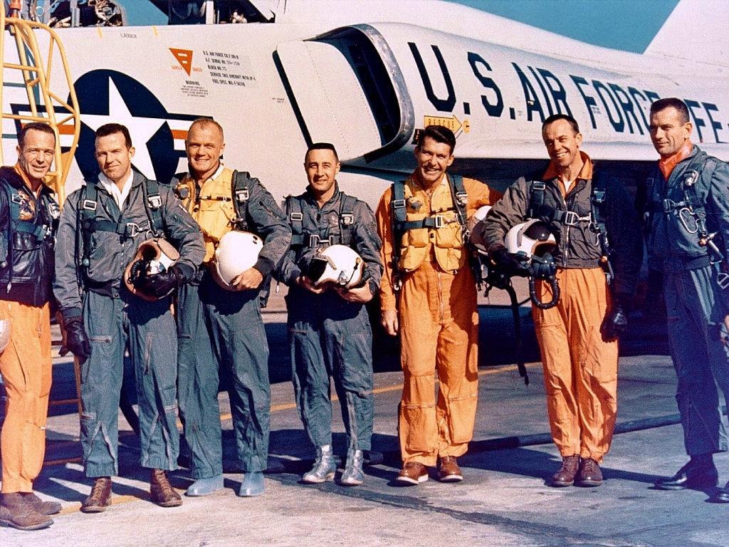 Spaceflight Now   Breaking News   Mercury astronaut Gordon Cooper ...