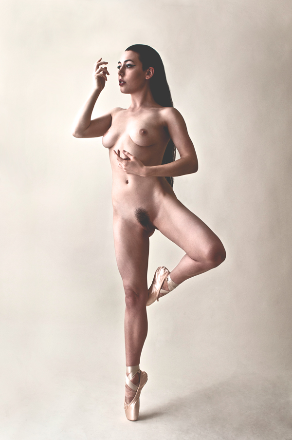 Gestalta photographed by Adam Rowney. Pastel coloured portrait of a nude ballet dancer