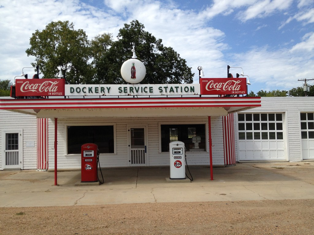 Dockery service station wide view ruth blaylock foster for Amy ruth s home style southern cuisine