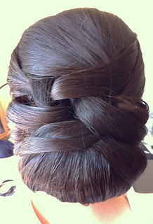 smooth-chignon-bridal-hair | by vanmobilehair