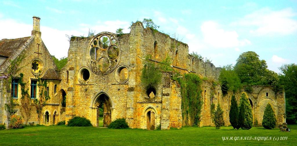 Abbaye des vaux de cernay parc naturel r gional de la ha for Abbaye des vaux de cernay piscine