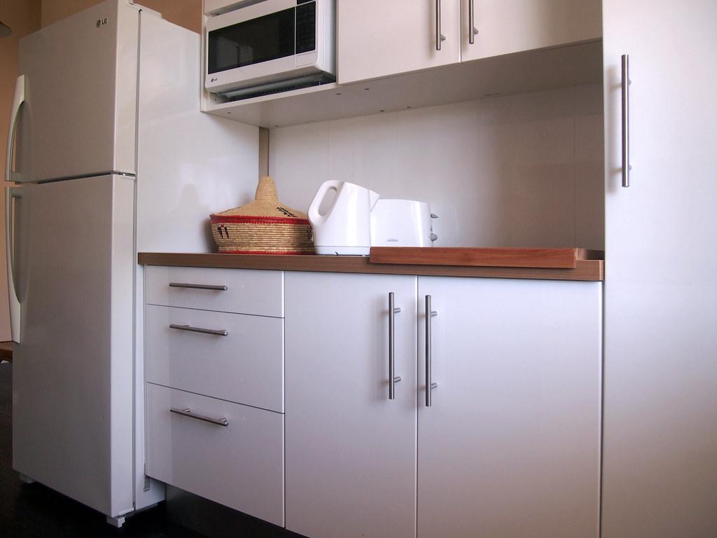 White Upper Kitchen Cabinet Corner