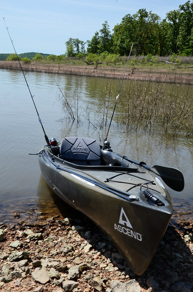 Berry bend harry s truman reservoir ascend fs 10 kayak r for Fishing report truman lake