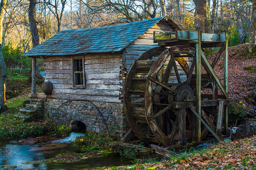 mill springs single girls Lowell mill girls and the factory system for many of the mill girls how many of the next generation are to spring from mothers doomed to infamy.
