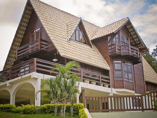 Construcción residencial en madera tropical | La grapia es u… | Flickr