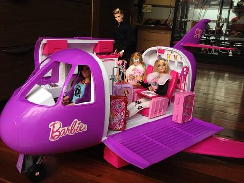 Jet Privato Barbie : Barbie jet set divas all aboard on their new d