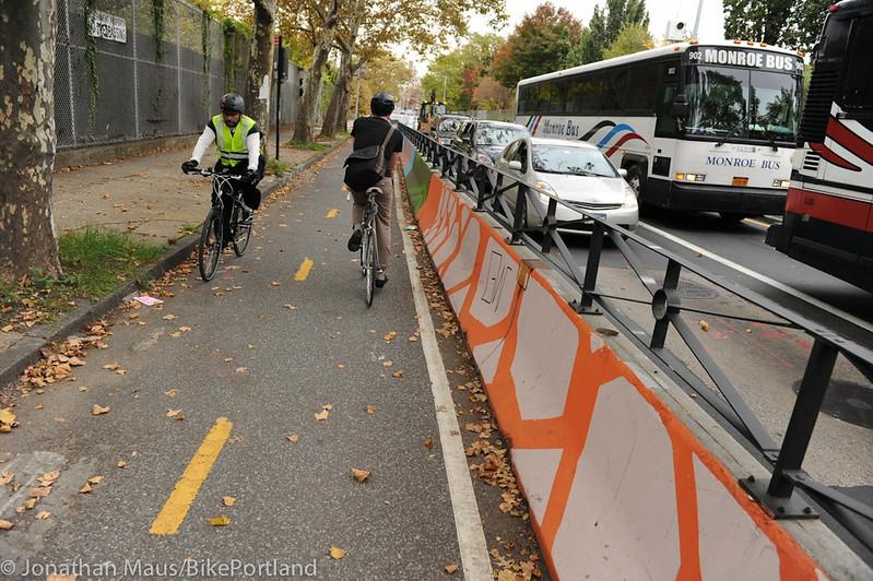 Flushing St protected bike lane-3