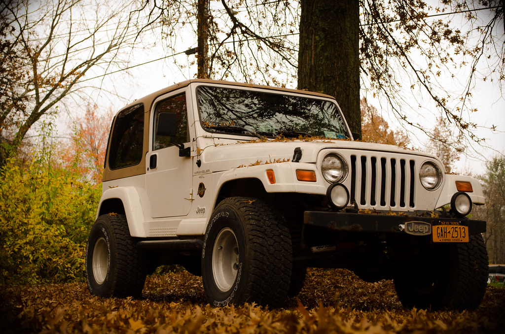 jeep wrangler my jeep in the beautiful autumn season charliesturm flickr. Black Bedroom Furniture Sets. Home Design Ideas