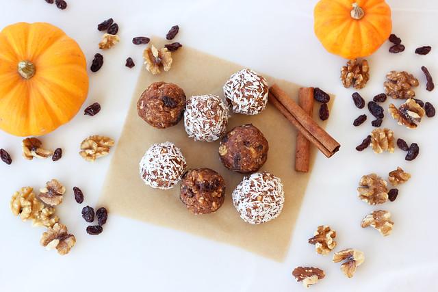 No-Bake Pumpkin Spice Cookie Balls (Gluten-free, Vegan + Sugar-free)