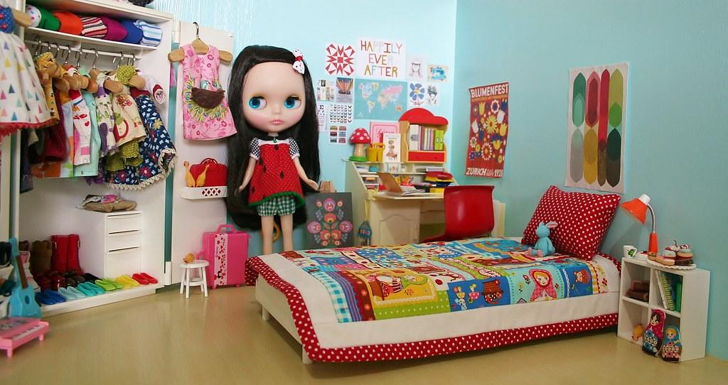 my blythe doll 39 s bedroom here 39 s a peek at my girls 39 bedroo flickr On blythe bedroom