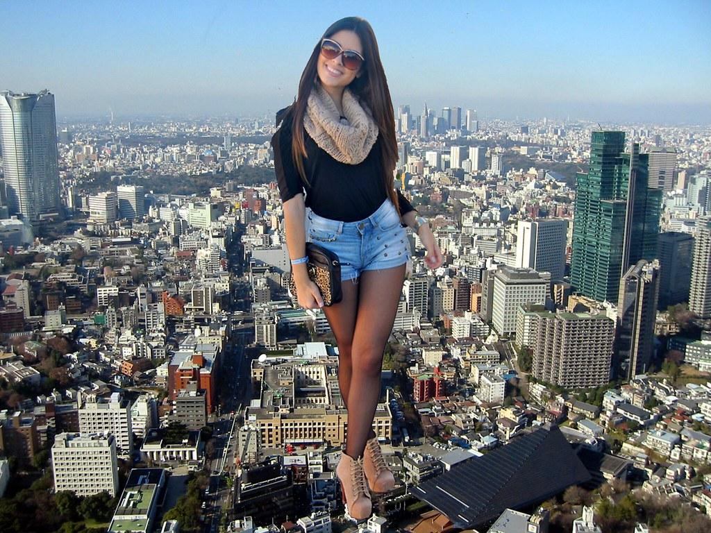 giantess city